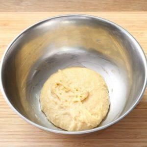 バターをまぜる