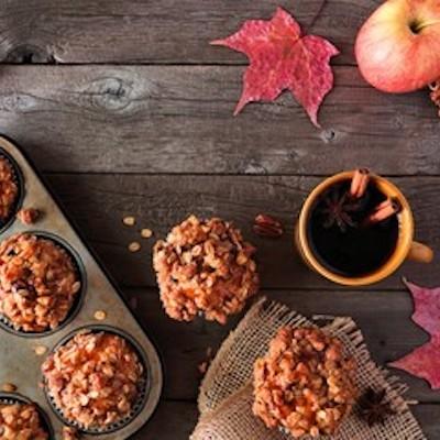 秋っぽい風味のしっとりマフィンで秋を満喫! 秋色マフィンカップで季節感UP